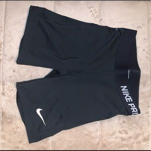 Nike pro 5in compression shorts
